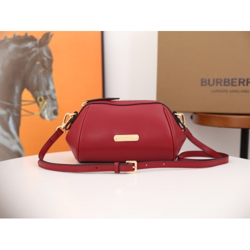 Burberry AAA Messenger Bags For Women #854945