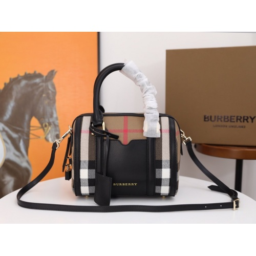 Burberry AAA Messenger Bags For Women #854961