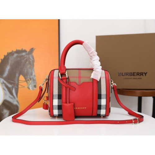 Burberry AAA Messenger Bags For Women #854962