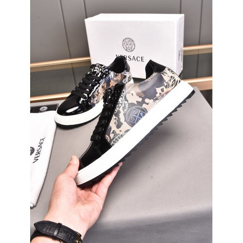 Versace Casual Shoes For Men #855026