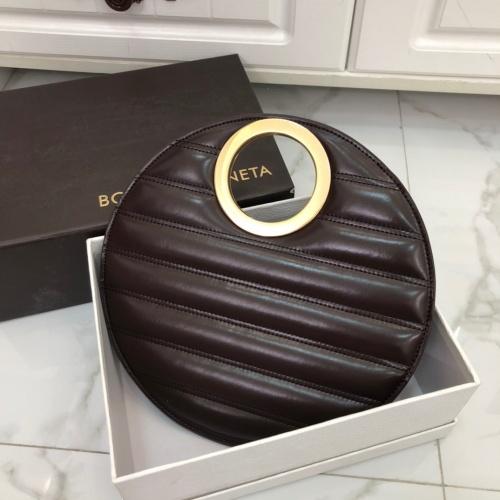Bottega Veneta BV AAA Quality Messenger Bags For Women #855036