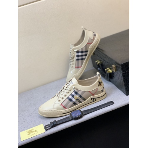 Burberry Casual Shoes For Men #855044