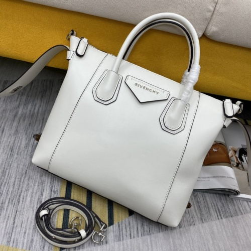 Givenchy AAA Quality Handbags For Women #855072