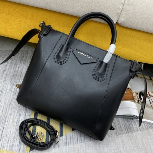 Givenchy AAA Quality Handbags For Women #855073