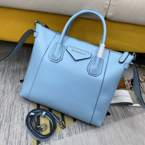 Givenchy AAA Quality Handbags For Women #855074