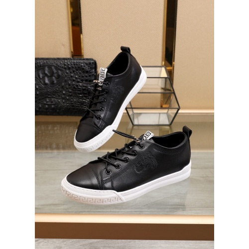 Versace Casual Shoes For Men #855098 $88.00 USD, Wholesale Replica Versace Casual Shoes