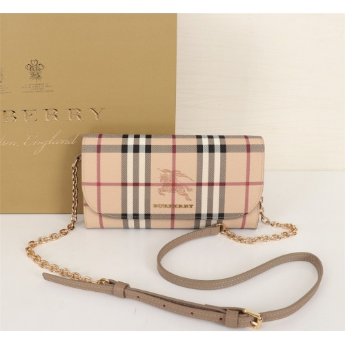 Burberry AAA Messenger Bags For Women #855551
