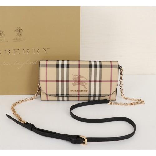 Burberry AAA Messenger Bags For Women #855552
