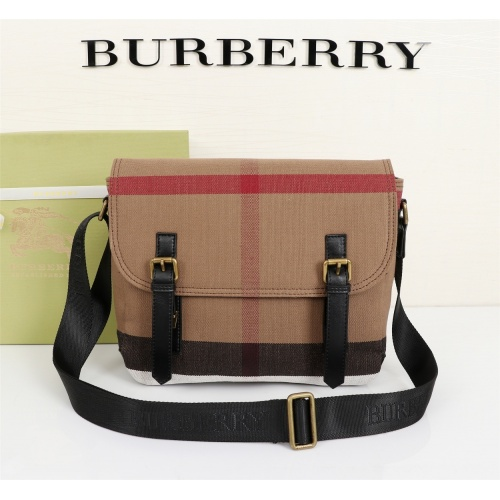 Burberry AAA Messenger Bags For Women #855554