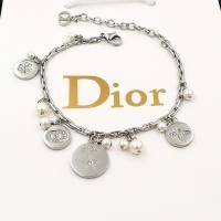$30.00 USD Christian Dior Bracelet For Women #847660