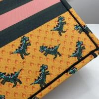$76.00 USD Christian Dior AAA Handbags For Women #849401