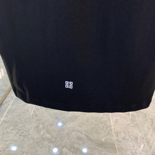 Replica Givenchy T-Shirts Short Sleeved For Men #856423 $41.00 USD for Wholesale