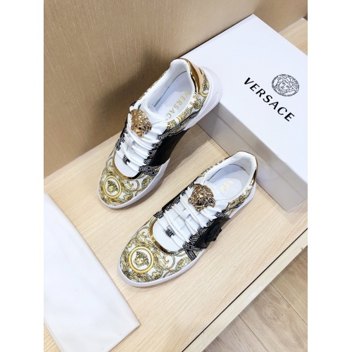 Versace Casual Shoes For Men #856543