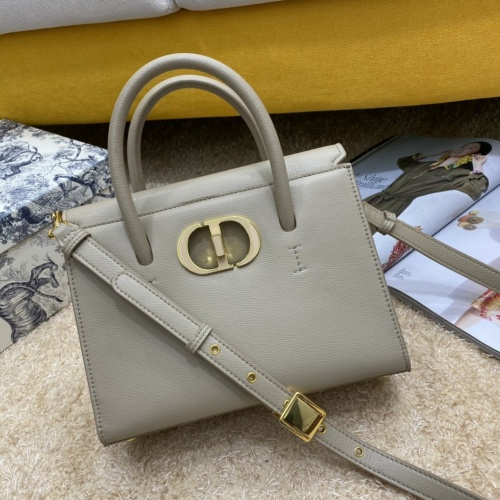 Christian Dior AAA Quality Messenger Bags #856901