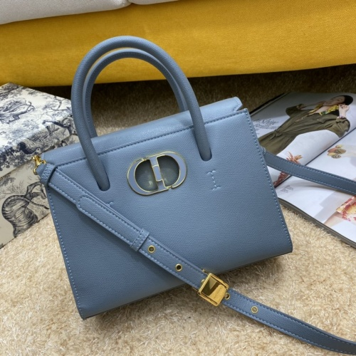 Christian Dior AAA Quality Messenger Bags #856903