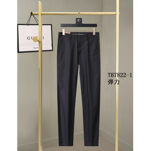 Burberry Pants For Men #857002