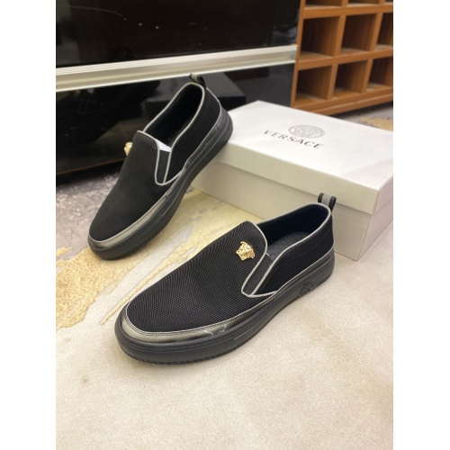 Versace Casual Shoes For Men #857495