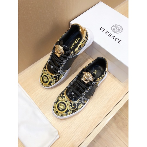Versace Casual Shoes For Men #857525