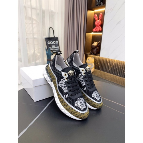 Versace Casual Shoes For Men #857579