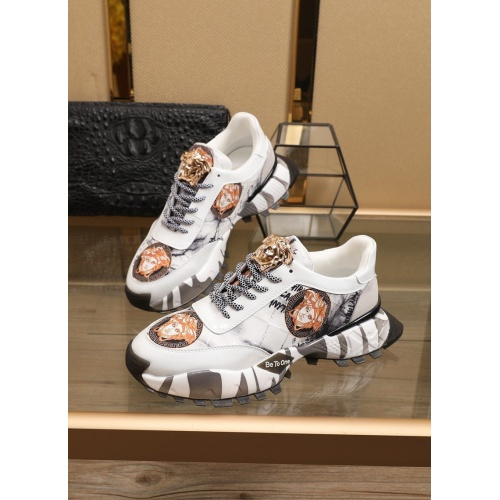 Versace Casual Shoes For Men #858229