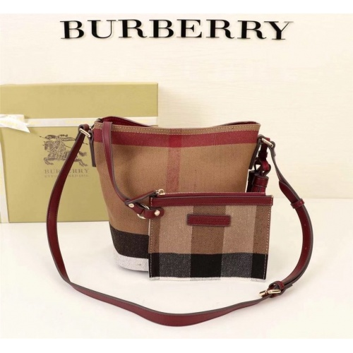 Burberry AAA Messenger Bags For Women #858280