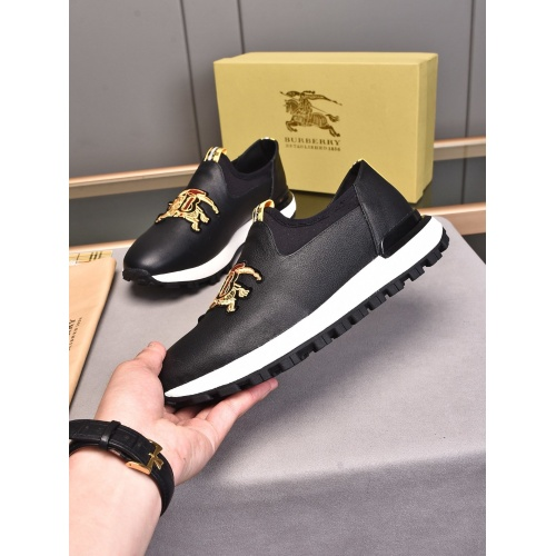 Burberry Casual Shoes For Men #858386