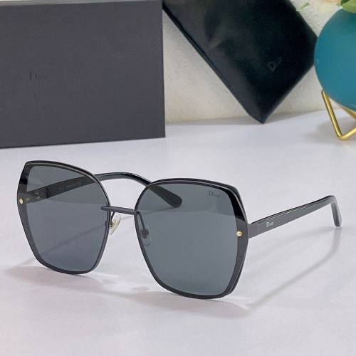 Christian Dior AAA Quality Sunglasses #858732