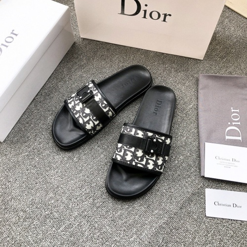 Christian Dior Slippers For Men #858971