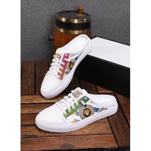 Versace Slippers For Men #858987