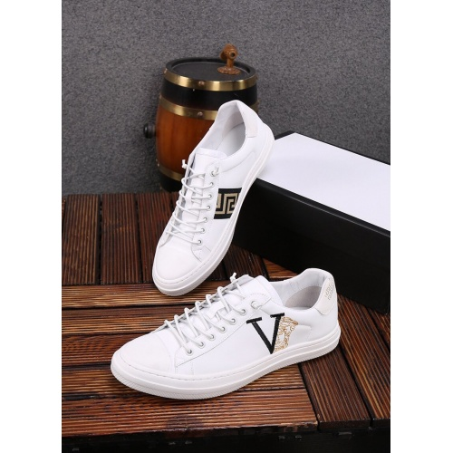 Versace Casual Shoes For Men #859015
