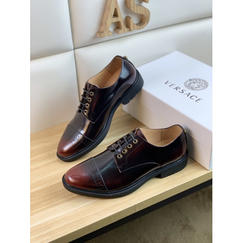 Versace Leather Shoes For Men #859218