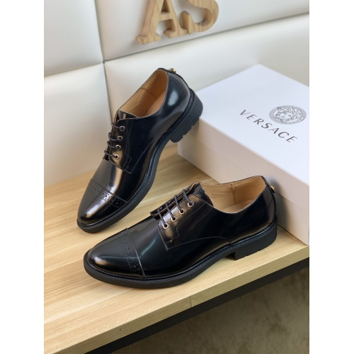 Versace Leather Shoes For Men #859219