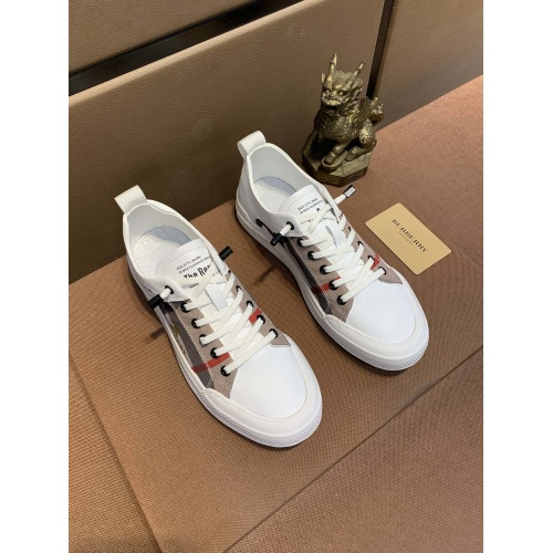 Burberry Casual Shoes For Men #859253