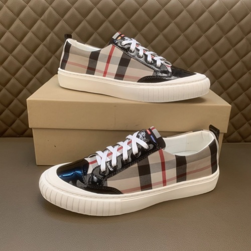Burberry Casual Shoes For Men #859518