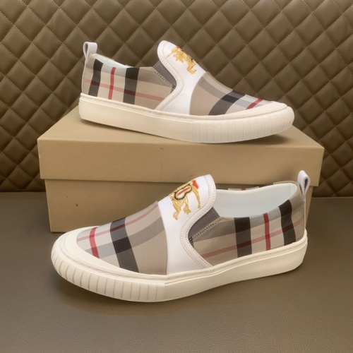 Burberry Casual Shoes For Men #859519