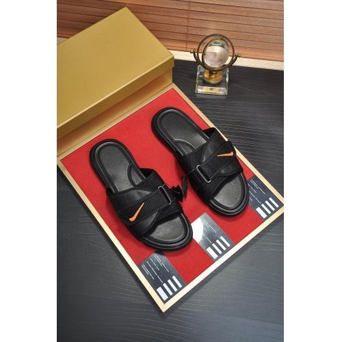 Fendi Slippers For Men #859543