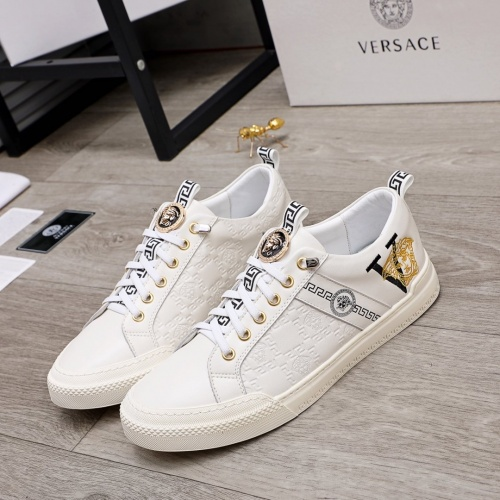 Versace Casual Shoes For Men #859565