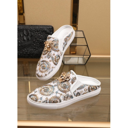 Versace Casual Shoes For Men #859579