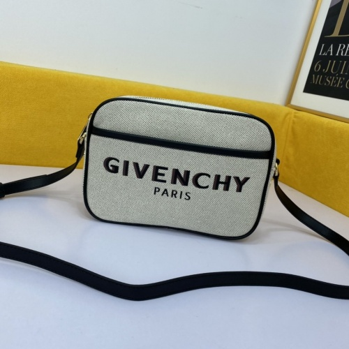 Givenchy AAA Quality Messenger Bags For Women #860132