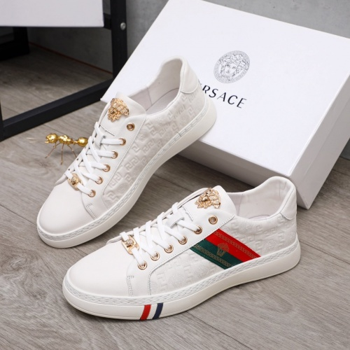Versace Casual Shoes For Men #860321
