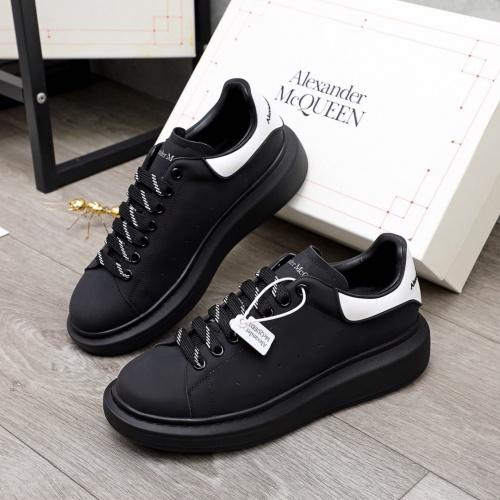 Alexander McQueen Shoes For Men #860326