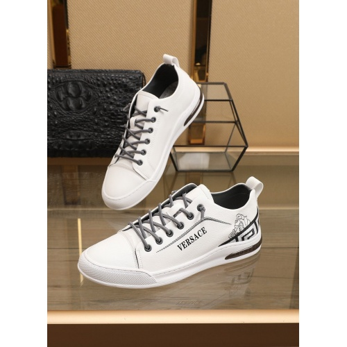 Versace Casual Shoes For Men #860367
