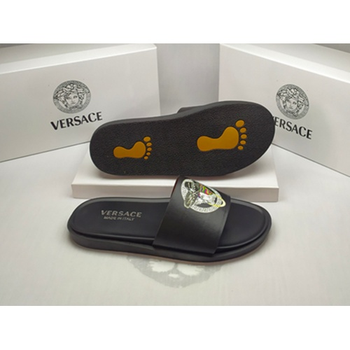 Versace Slippers For Men #861277