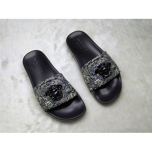 Versace Slippers For Men #861296