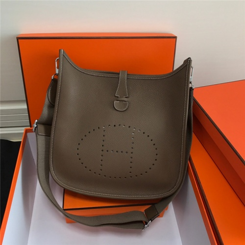 Hermes AAA Quality Messenger Bags For Women #861365