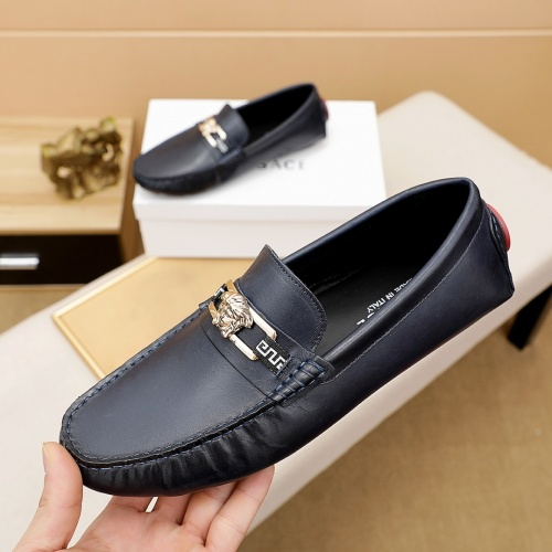 Versace Leather Shoes For Men #862460