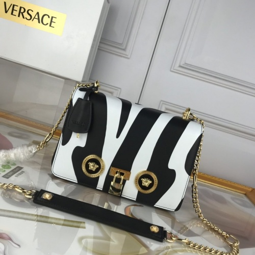 Versace AAA Quality Messenger Bags For Women #863618
