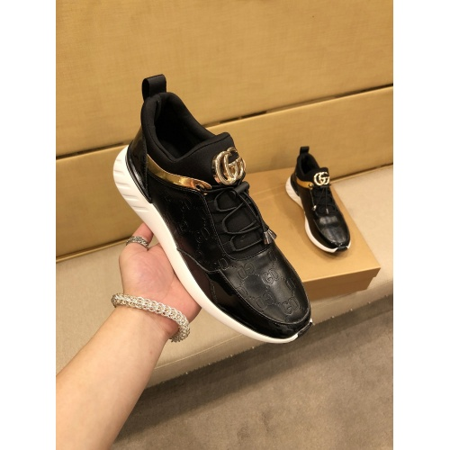 Versace Casual Shoes For Men #864433