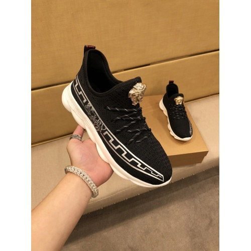 Versace Casual Shoes For Men #864437