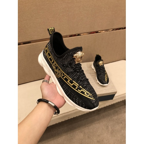 Versace Casual Shoes For Men #864444